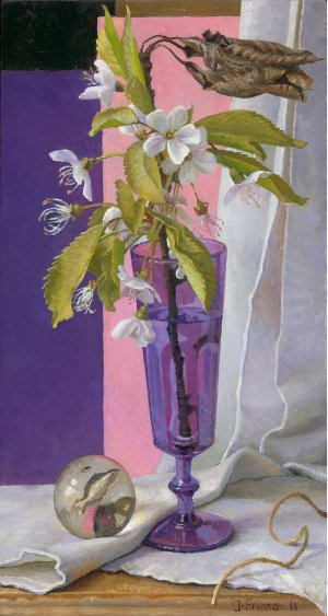 Kersenbloesem in paars glas